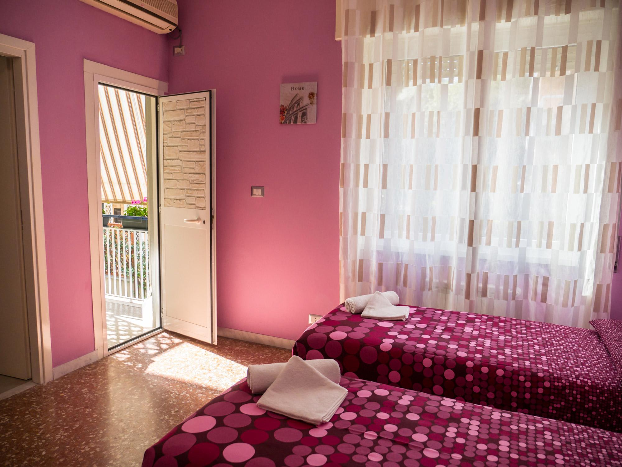 Vista sul balcone  - Le Camere - B&B Roma Centro